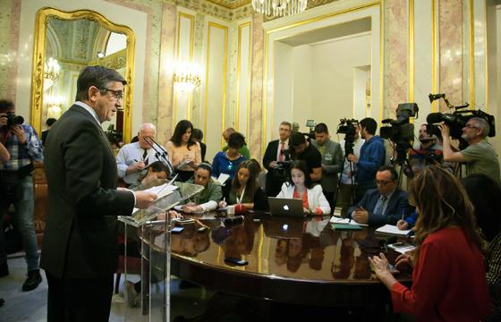 Rueda de prensa de Patxi López en el Congreso
